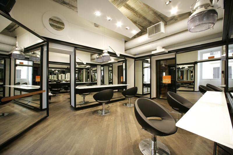 Carlo Pinca Top hair stylist a Roma atelier in Piazza di Spagna