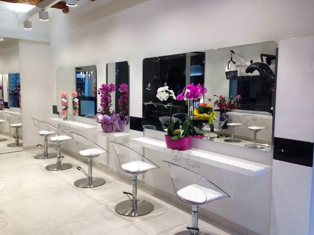 Migliori parrucchieri firenze ecco i pi bravi for 18 8 salon franchise