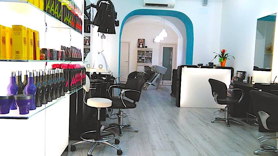 Foto del salone di Danilo Canale a Genova