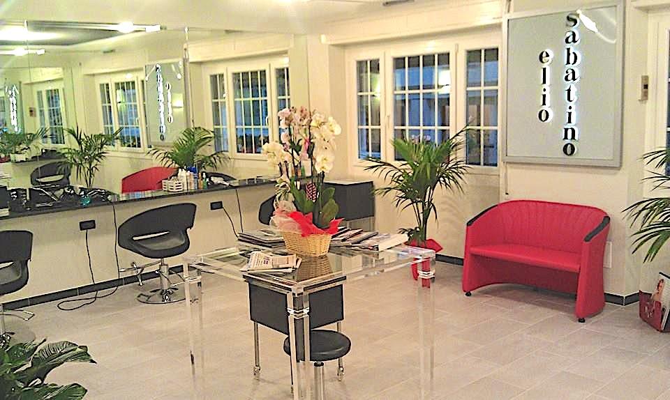 foto del salone di Elio Sabatino a Genova
