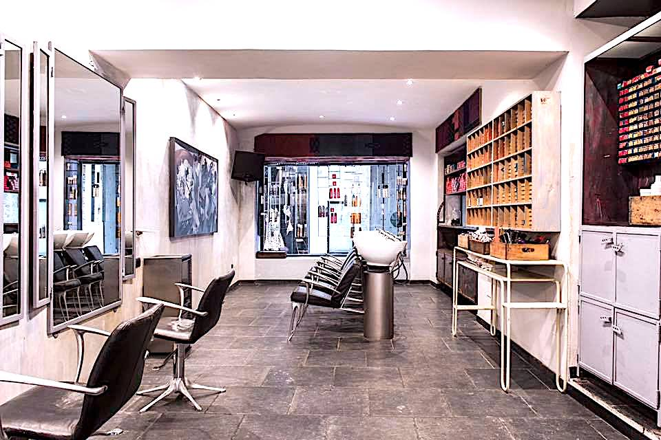 Foto del salone Top hair in via san Lorenzo a Genova